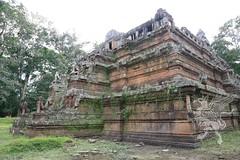Angkor_Phimeanakas_2014_05