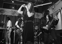 Rigorous Institution, Fixin' To, St Johns, OR, 2-22-2019 (convertido) Tags: black white photography concert fixin to st johns or punk rock synth crust postpunk post goth dark wave australia pac nw