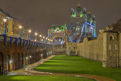 Notte piovosa / Rainy night (Tower Bridge and Tower of London, London, United Kingdom) (AndreaPucci) Tags: towerbridge toweroflondon london uk night rain andreapucci
