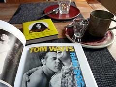 After breakfast 13.3.19 (LaWendeltreppe) Tags: breakfast books
