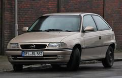Astra (Schwanzus_Longus) Tags: bremen woltmershausen german germany modern car vehicle hatchback opel astra gm general motors holden vauxhall