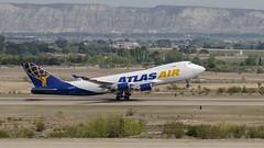 AtlasAir B747-400 (N419MC) (Vonher) Tags: nikond7000 nikon avion aircraft cargo carrier atlasair b747 b747400 n419mc lezg zaragoza zaragozaespaña despegando despegue departure takeoff