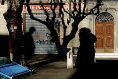 DSC02293 (Roberto Bartolini) Tags: street streetphoto streetphotography streetcolours shadows shadow streetart silhouettes urban city candidstreet candid candidstreetlife colours chiaroscuro people persone photoart