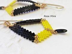 Negro y amarillo PE.0499 (Espuma de mar by Rosa Mira) Tags: pendientes earrings delica seedbead bisuteria bead beaded bijoux beading beadwork peyote joya jewelry joyeria jewel