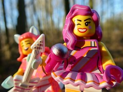 Rocking girls (sander_sloots) Tags: lego minifigures minifiguur minifig movie 2 legomovie candy rapper kitty pop series vroesenpark rotterdam guitar gitaar music popstars kittypop candyrapper lumix panasonic dctz90