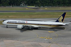 Singapore Airlines (So Cal Metro) Tags: airline airliner airplane aircraft plane jet aviation airport singapore sin changi 9vswf boeing 777 singaporeairlines