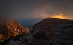 Dinara (Leonardo Đogaš) Tags: dinara sunset croatia hrvatska mountain dalmacija dalmatia sun sunce zalazak oblak cloud stijena rock leonardođogaš jugozapadnastijenadinare