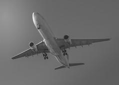 Airbus A330-300 air Canada (Yul-Gva) (Nikko-photography) Tags: transatlantic gva aircanada airbus plane lsgg a330300 avion montréal aeroport suisse cointrin geneve