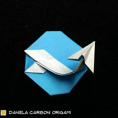 """Scia Chimica"" Modello creato adesso. Carta da origami 7,5 cm x 7,5 cm -------------------------------------------- ""Chemtrail"" Model created now. Kami 7,5 cm x 7,5 cm  #origami #cartapiegata #paperfolding #papiroflexia  #paper #paperart #createdandfolded (Nocciola_) Tags: paperart cartapiegata createdandfolded papiroflexia paperfolding originaldesign danielacarboniorigami paper chemtrail origami sciachimica"