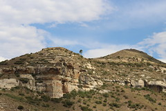 Cliffs (Rckr88) Tags: cliffs cliff mountains mountain rocks rock rocky clarens freestate southafrica free state south africa green greenery grass nature outdoors travel travelling