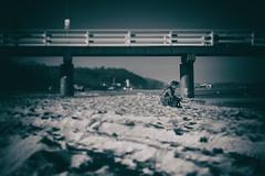 The talented draughtsman (michael_hamburg69) Tags: timmendorferstrand ostholstein germany deutschland ostsee balticsea seebrücke pier beach strand timmendorf lübeckerbucht februar 2019 ammeer people menschen monochrome man male guy draughtsman zeichner künstler artist