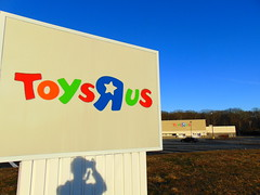 """Closed Toys """"R"""" Us (Waterford, Connecticut) (jjbers) Tags: closed vacant abandoned toys r us store toy waterford new london connecticut road sign"""