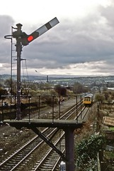 Shipley, Guiseley Junction, February 1988 (David Rostance) Tags: dmu class108 guiseleyjunction semaphoresignals shipley thackley