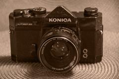 Old Fashion Camera (Rudi Pauwels) Tags: 2019onephotoeachday konica konicaautoreflext analoge analogecamera shootingfilm