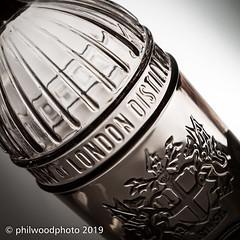 365-2019-067 - Christopher Wren (phil wood photo) Tags: 365 365colorfun 365colourfun bottle christopherwren cityoflondondistillery color365 colour365 day67 gin gray grey march singlestrobe square