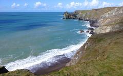 The Lizard, Cornwall, UK (east med wanderer) Tags: england uk cornwall lizardpeninsula coast cliffs sea clouds coastpath walking
