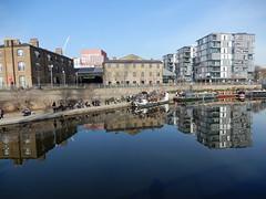 Grand Union Canal near King's Place (John Steedman) Tags: grandunioncanal kingsplace london uk unitedkingdom england イングランド 英格兰 greatbritain grandebretagne grossbritannien 大不列顛島 グレートブリテン島 英國 イギリス ロンドン 伦敦