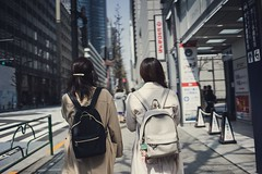Big city (S. Ken) Tags: フォクトレンダー voigtlander a7riii a7r3 7rm3 sony e general nokton classic 35mm f14 emount ソニー alpha α 索尼 women friends tokyo japan biccamera bags backpacks