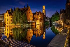 Brujas (A.Coleto) Tags: brujas brugges bruges belgica belgium hora azul noche color naranja larga exposición ciudad city