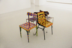 Funny chairs for museum visitors (Marie Kappweiler) Tags: austria gugging museum musée kunst art brut indoor artbrut stühle farbig
