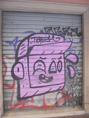 931 (en-ri) Tags: tadm ragazzo boy nero rosa testa head bologna wall muro graffiti writing serranda