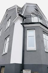 Grodperspektiv (TulsaQueen) Tags: osp190210 oursundaypics grodperspektiv building byggnad hus
