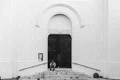 Man and Door (x1klima) Tags: aubagne départementbouchesdurhône frankreich fr