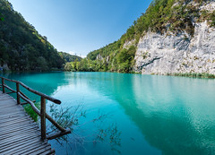 Plitvice (Arnaud Morin) Tags: nikon d750 1635mm croatie croatia landscape paysage water trees lake lac beautiful travel discover plitvice sky blue nature