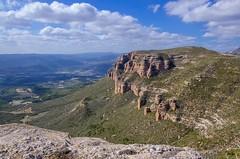 Paraiso. (Alfredo.5) Tags: pirineo piedra rocas campo cielo colores nikon nikond5100 nikons9900 nikond60 naturaleza nubes alfredo5 aragón azul vegetación verde paisaje landescape