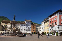 Rovereto (curvy_lady) Tags: architettura centrostorico città estate fontana gente giroalsass luogoturistico palazzo piazza strada turista visitatore italy