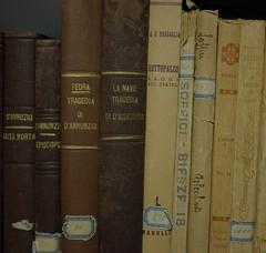 vecchie storie / old tales (biotar58) Tags: libri books
