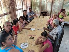 Guajiros en el restaurant (lezumbalaberenjena) Tags: santa clara cuba lezumbalaberenjena 2019 restaurant vitrales vista hermosa