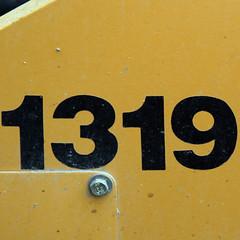 1319 (Leo Reynolds) Tags: number canon eos 350d 0017sec f56 iso100 85mm 0ev xleol30x hpexif xx2006xx 1319 1000s xxthousandsxx xsquarex xratio1x1x