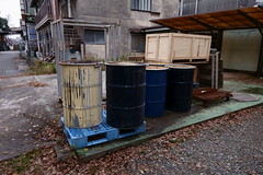 20181223_RX_01792 (NAMARA EXPRESS) Tags: street can drum steel drumcan steelcan winter daytime cloudy outdoor color toyonaka osaka japan sony rx0 dscrx0 carlzeiss tessar t 477 namaraexp