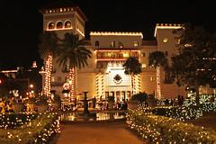 St. Augustine, Nights of Light (ktmqi) Tags: staugustine streetscape buildings florida atlanticcoast christmas christmasdecorations night lights