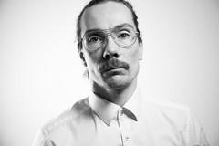365 Bilder 2019 - Tag 13 - Neue Brille selfie (Mr.Prell) Tags: selfie selfportrait glasses brille portrait highkey