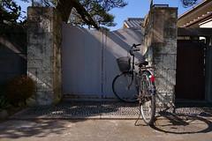 20190130_RX_02207 (NAMARA EXPRESS) Tags: street gate house bicycle vehicle winter daytime fine outdoor color toyonaka osaka japan sony rx0 dscrx0 carlzeiss tessar t 477 namaraexp