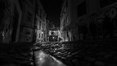 Ascensor da Glória #5 (Hendrik Lohmann) Tags: streetphotography street nightshot night nightphotography nightlife nikonphotographer people portugal lisboa lissabon lisbon love lowlight urban urbanart urbanlife noir noire tram electrico