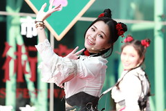 IMG_0509M 2019臺中市傳統藝術節 無双樂團 (陳炯垣) Tags: performance stage musician dancer festival joyful girl portrait enjoymant