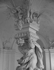 Vienna, Austria (rick ligthelm) Tags: vienna wien austria österreich palace belvedere upperbelvedere hall entrancehall column sculpture blackwhite