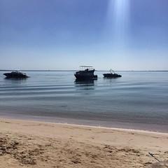 Anlegeplatz von Ausflugsbooten (M&K Photographie) Tags: himmel iphone somabay egypt ägypten blau braun boot wasser meer sand strand mkphotographie