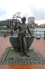 Cardiff (menchuela) Tags: cardiff march city menchuela streetart memorial