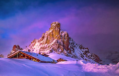 Ultime luci sul passo (Gio_guarda_le_stelle) Tags: dolomiti dolomites dolomiten sunset mountainscape mountain alps italy giau light winter snow pass sky clouds evening sun sunbeam sunlight i 4