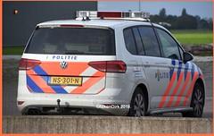 Dutch Police VW Touran. (NikonDirk) Tags: police politie nikondirk nederland netherlands holland nikon cop cops hulpverlening dutch emergency enforcement trailer foto ken kennemerland noord volkswagen touran transporter incident 7kbb17 01sbl9 ns301n