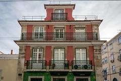 Red-Green Lisbon, Portugal (Bela Lindtner) Tags: lisbon lisboaregion portugal pt lindtnerbéla belalindtner nikon d7100 nikond7100 nikkor 18105 nikkor18105 nikon18105 lisboa lisszabon portugália house red green bricks outdoor outside city sky bluesky clouds cloud