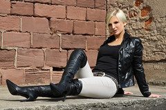 Tabea 22 (The Booted Cat) Tags: sexy blonde hair girl model leather boots overkneeboots