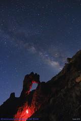 Reminiscencias magmáticas del Teide (Luis JG) Tags: víalactea milkyway estrellas stars noche night montaña mountain roca rock canoneos700d tokina1120f28atxprodx largaexposición longexposure paisaje landscape nature naturaleza cielo sky