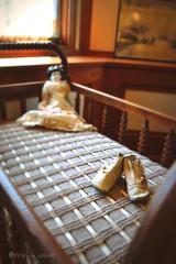 Frank Lloyd Wright's Home (ilovecoffeeyesido) Tags: flw franklloydwright franklloydwrighthomeandstudio franklloydwrighthouse antiqueshoes antiquedoll availablelight oakparkil antiquecrib prairiestyle architect