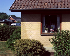 Somebodies home (Christopher Magni Kjerholt) Tags: bronicags1 100mm kodak portra 160 herning denmark 6x7