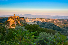 Civita di Bagnoregio, Central Italy (Claudio_R_1973) Tags: civitadibagnoregio bagnoregio tuscia viterbese centralitaly lazio country countryside italia italy sunset town village rock medieval trees landscape vivid goldenhour outdoor hills mountains